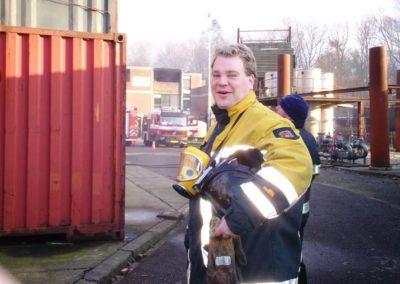 Als raadslid mee op oefening met de brandweer, team Biddinghuizen in 2007