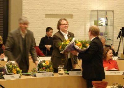 Bloemen van de griffier bij de beëdiging als raadslid in 2010.