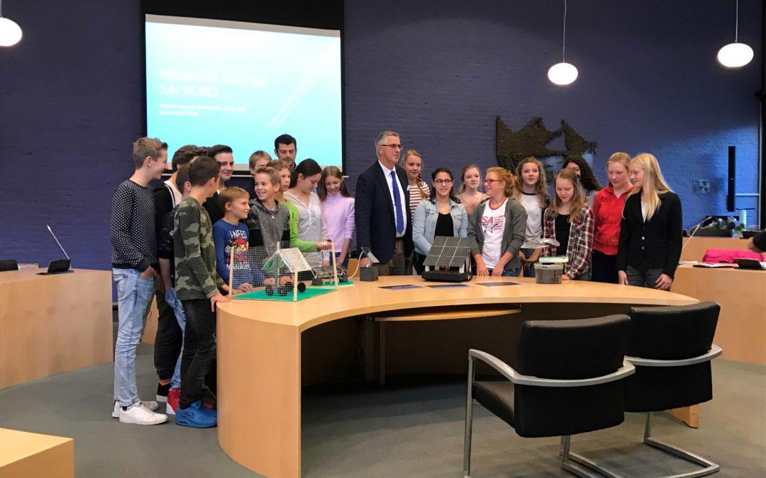 Leerlingen Almere College ontwerpen verplaatsbare zonnepanelen voor gemeente