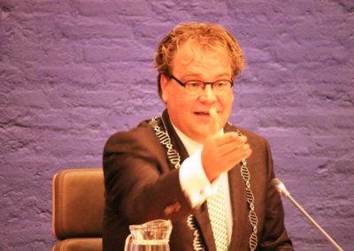 Paul als plaatsvervangend voorzitter van de gemeenteraad in Dronten
